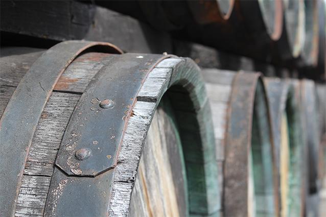 Objem dřevěného sudu je cca 300 l